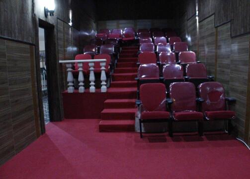 ویلا لاکچری با استخر روباز و سینما اختصاصی