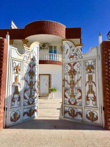 ویلای دربست نوساز استخردار با چشم انداز زیبا
