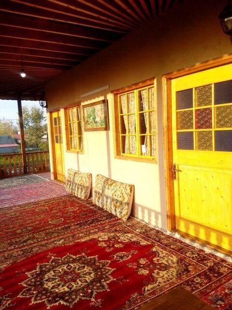 اقامتگاه بوم گردی حاج رضا طبقه اول