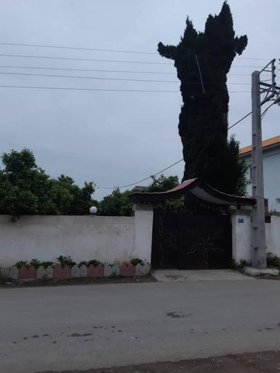ویلا استخردار آنتیک حیاط دربست (میانهاله )