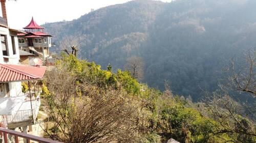 ویلا جنگلی با چشم انداز زیبا