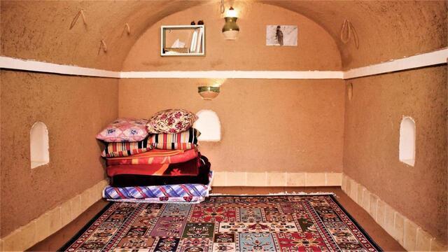 بوم گردی عمو نوروز 2( اتاق چهار ) ( اصفهان )