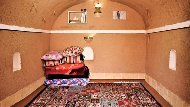 بوم گردی عمو نوروز 2(اتاق نه )(اصفهان )
