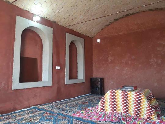 کاروانسرای لیلی و مجنون؛ اتاق 15 متری با سرویس و حمام(8)