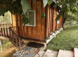 بومگردی کلبه جنگلی باغ سعدی اتاق سه